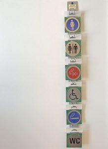 Myyntiteline opastekylteille - seinäteline - kapea